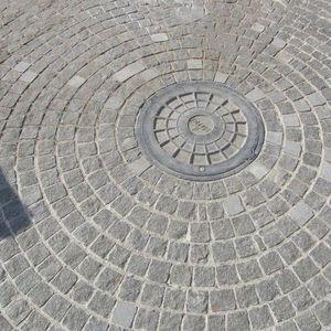Piatra Cubica Granit Gri Antracit Natur 10 x 10 x 5 cm imagine