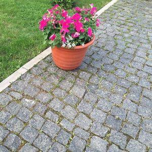 Piatra Cubica Granit Gri Antracit Natur 5 x 5 x 5cm (1 tona = 7-8mp) imagine